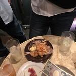 オッジ・ドマーニ - 立ち飲みテーブル