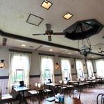 自由亭喫茶室 - 各テーブルから、長崎の景色をお楽しみいただけます