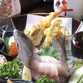 地場の恵みをご堪能!「濱や」流・自慢の鮮魚が盛りだくさん