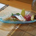 和食 小ぐり - お造り 盛合せ  ヨコワ、〆鯖、剣先烏賊