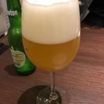 LOCAL BAR 新栄EIGHT - ニュートン 毎回飲む青リンゴフレーバーのビール。甘ったるくなく、程よく甘いのが気に入っている♪フレーバーによって、ビール独特の苦みが得意でない私もおいしくいただけますっ!! 2018/05/19