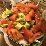 にしきや - アボカドとトマトのサラダ