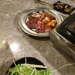 92037876 - サービス盛と水菜のチョレギサラダ