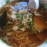 92043165 - ワンタン麺750円