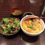 郷どり燦鶏 - 炙り親子丼&ランチサラダ