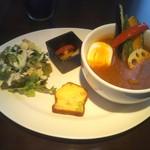 ソータローカフェ - 料理写真:スープカレーセット!札幌には無さそうなセッティング