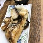 魚力 - ソ…さんのかんぱちカマ塩焼き定食 1,050円