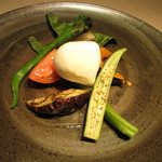 erre - 薪で焼いた野菜 モッツァレラチーズ