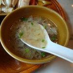 シンガポール海南鶏飯 汐留店 - スープ