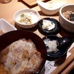 浅野屋 - カツ丼セット1300円