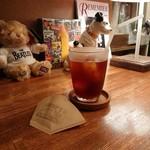 ノラズ コーヒー テーブル -