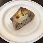 フローレット - ランチに付いてくるセルフのパン