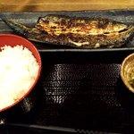 92075116 - さんまの開き定食(味噌汁到着前)