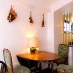 Jazzと喫茶 囃子 - 素敵なテーブル。