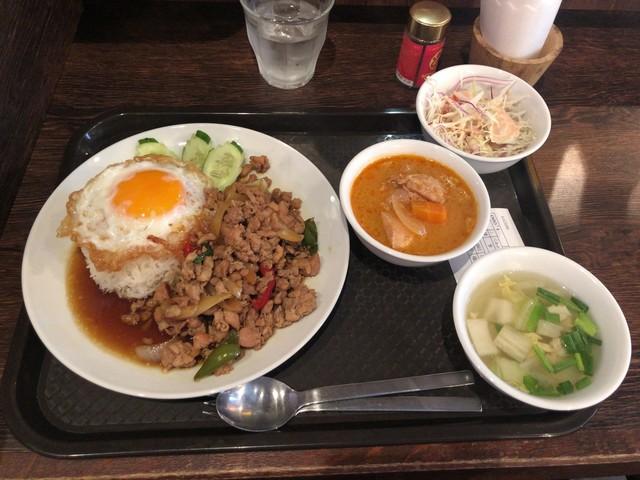 渋谷ガパオ食堂 (SHIBUYA gapao shokudo)>