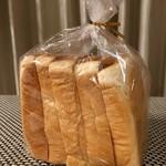ぱん兄弟 - 料理写真:食パン