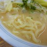 92081425 - 麺とスープ