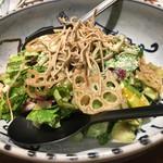 蕎麦 AKEBONOYA - 揚げ蕎麦サラダ