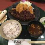 楽一楽座 - 料理写真:名古屋味噌カツ定食の大