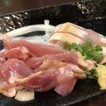 炎天下 - 「かごしま地鶏刺」350円