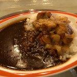 ハングリーベア・レストラン - チキン&ローストオニオンカレー 780円。