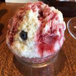 92088643 - 苺ミルク氷(1,080円 税込) 定番の苺ミルクです!こちらも氷が滑らか〜トロけます^ ^