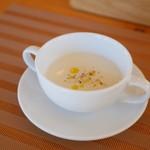92091829 - 玉ねぎの冷たいスープ