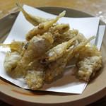 鬼の厨 しんすけ - イシモチの稚魚の揚げ物