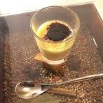 グリシーヌ - スペシャリテ フォアグラプリン 赤ワインとカシスのソース