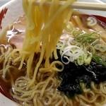 葛の湯 - 麺は細い縮れ麺
