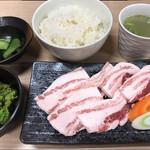 霧島豚 豚カルビ焼肉定食