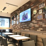 WOLFGANG PUCK PIZZA - 店内