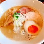 らぁ麺 やな木 - 料理写真:鶏白湯らぁ麺(700円)