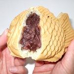 鯛幸堂 - 料理写真:北海道産の小麦と十勝産の粒あん。鯛幸堂の食の安全にこだわった鯛幸堂代表のたい焼きです。