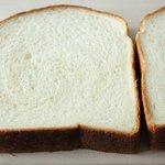 コウブツ - カルピス食パン 330円