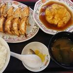 餃子の王将 - 料理写真:餃子定食(税抜き815円)