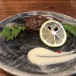 春吉酒亭 一歩 - 本マグロのガーリックステーキ、自家製マヨネーズ添え。