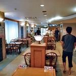アルファーワン - レストラン(朝食会場)