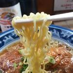 らぁめん 丈 - 中太の縮れ麺