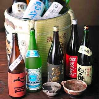 日本酒各種、豊富に取り揃えています。