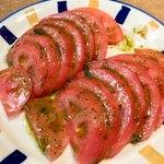 92167804 - まずは「フレッシュトマトのサラダ」が!!