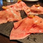 380肉酒場エビス -