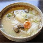 中華料理 忠実堂 - 料理写真:海鮮そば 1080円 白菜多め。