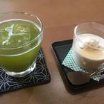 日本茶cafe茶淹香  - 料理写真:本蒸し玉露380円ほうじ茶プリン350円と