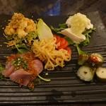 三顧礼 - 料理写真:冷盤菜盛合(前菜盛合せ)2,000円(税抜)