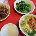 味仙 - あさりのピリ辛炒め、塩台湾ラーメン、青菜痛め、スピーディ~に出てきます!