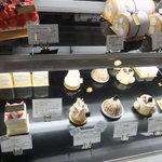 エスプリ - ケーキショーケース。その1。