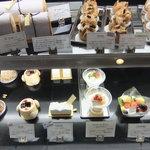 エスプリ - ケーキショーケース。その2。