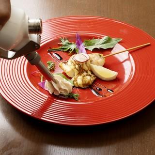 一串ずつアヒージョをしていく、新感覚の調理スタイル