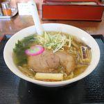 ラーメン玄咲 - 丸鶏スープ麺(塩味、810円)